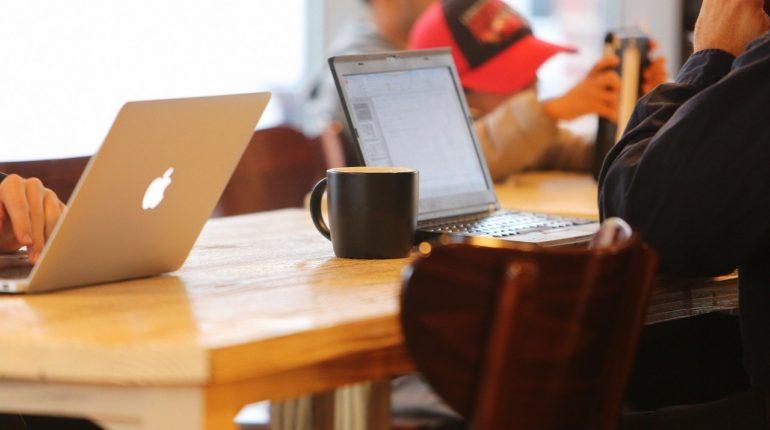 Business Blogger 770x430 - Erfolgsfaktor Blog: Die 8 Vorteile von einem Business-Blog