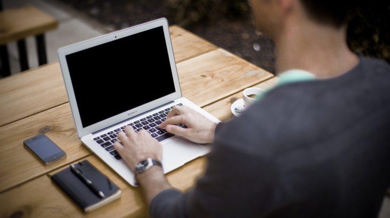 Bloggerin 770x430 - Der Blogstart für Anfänger